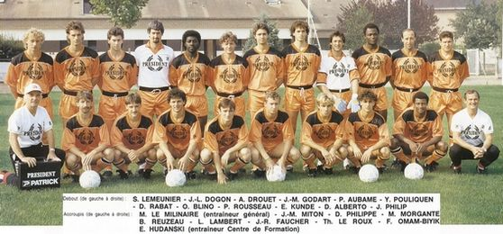 Photo groupe Stade Lavallois 1987-1988