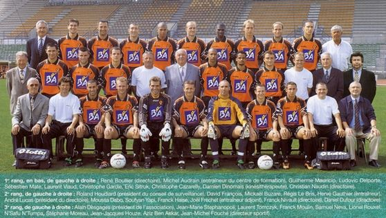 Photo groupe Stade Lavallois 2000-2001